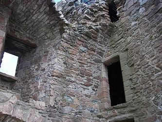 Urquhart Castle inside wall 2.jpg