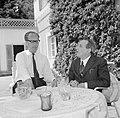 V.l.n.r. Hermann Kreisselmeier en Walter Mehring zittend op een terras, Bestanddeelnr 254-5039.jpg
