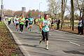 Veel hardlopers drinken veel tijdens marathon Rotterdam 2015.jpg