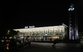 Venlo railway station - Station at night