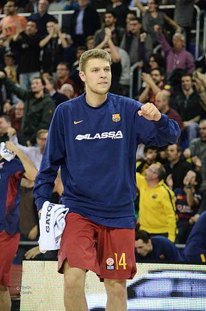 Sasha Vezenkov - Vezenkov with FC Barcelona, in 2016.