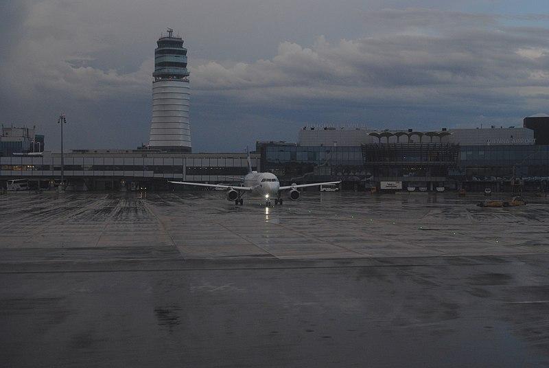 File:Vienna International Airport - 2018-05-08 - Andy Mabbett - 09.jpg