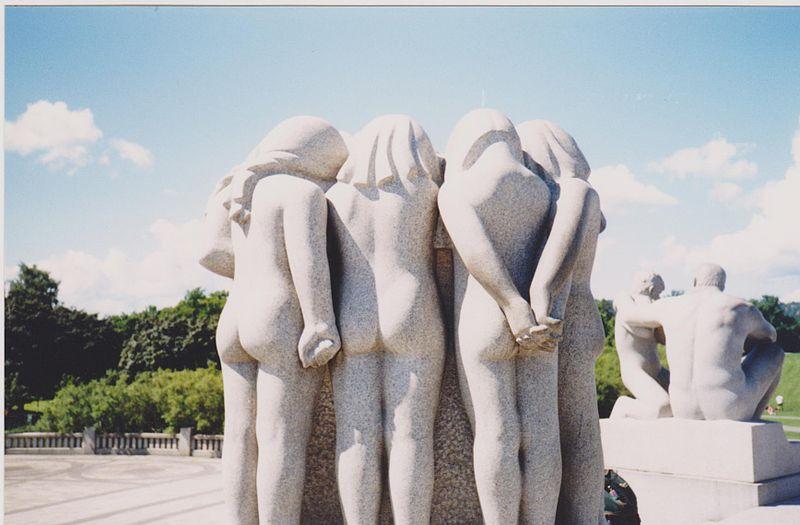 File:Vigeland sculpture, Oslo Frogner Park 1999.jpg