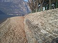 Vista del lago di Como da una riva di Lecco 03.jpg