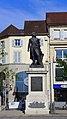 Vue d'ensemble de la statue du Général Lecourbe.jpg