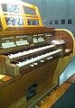 Weiß-Orgel Bergtheim Spieltisch.jpg