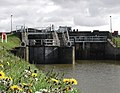 Weighton Lock - geograph.org.uk - 584751.jpg