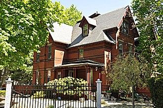 DeRochmont House - Image: Winchester MA De Rochmont House