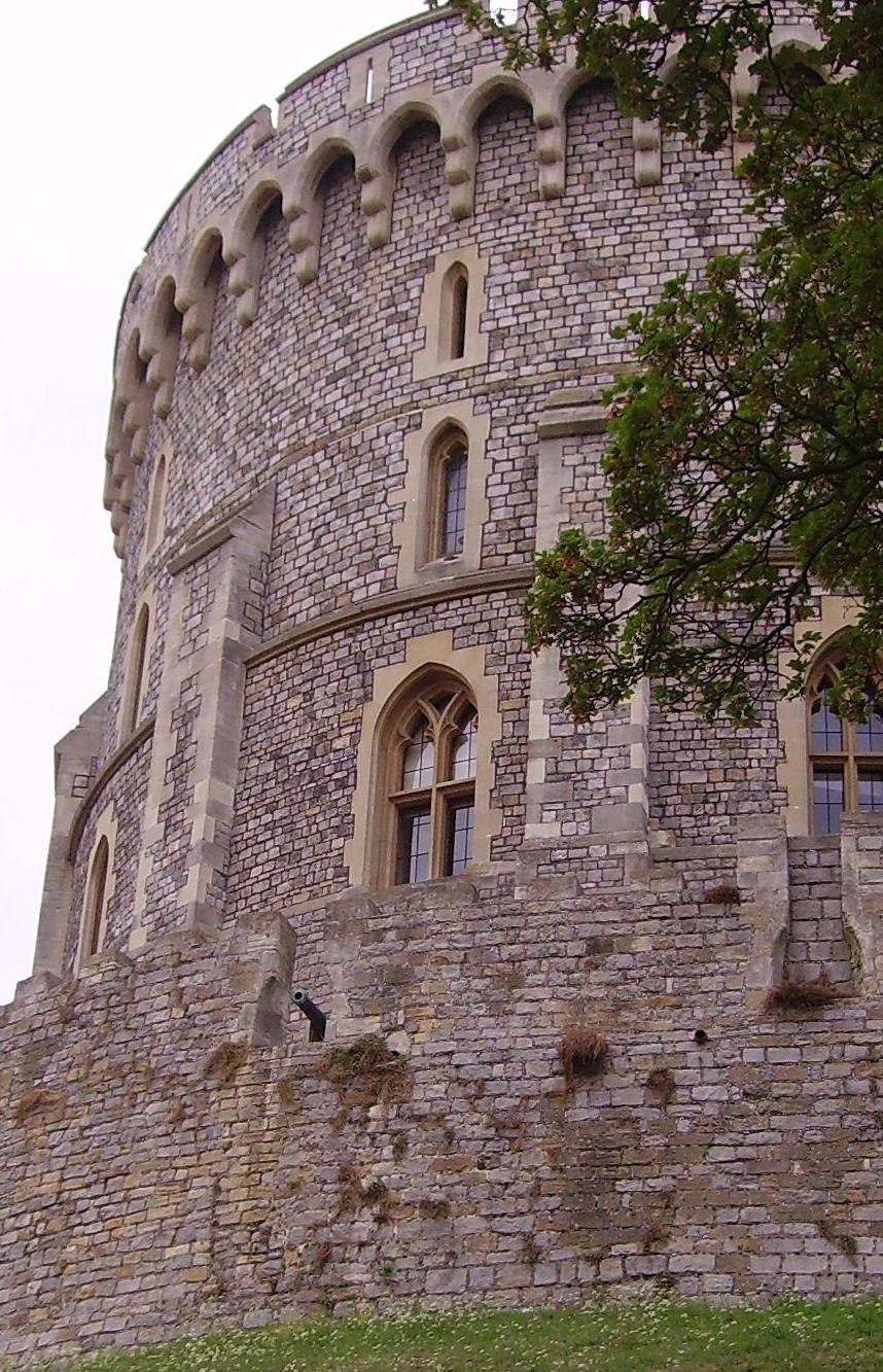 Windsor round tower 03
