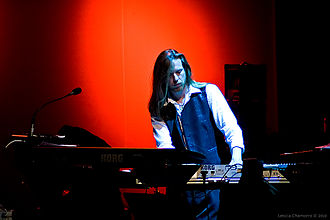 Oliver Wakeman - Image: Yes concert 2010 12 01 (5253576415)