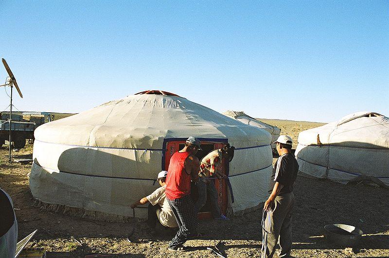 File:Yurt-construction-6 (final).JPG