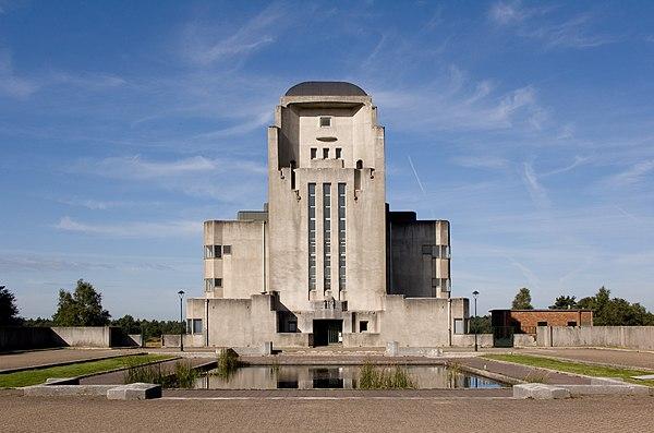 Zendstation Radio Kootwijk.jpg
