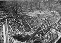 Ødelagt bolighus på Valløy - Vallø krater 2.jpg