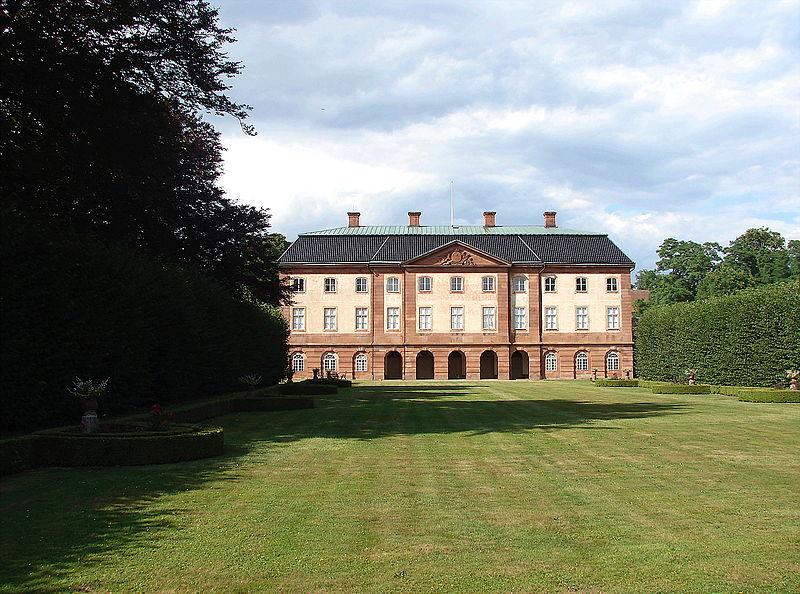 File:Øveds Kloster have.JPG