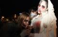 Девушка в хеллуинском костюме вампирши-невесты в Мелитополе, 2012.png