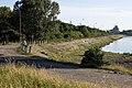 Дорога к шлюзу (2009.06.27) - panoramio.jpg