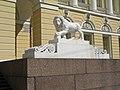 Михайловский дворец, львы у входа02.jpg