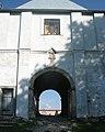 Монастир вхідні ворота 2.jpg