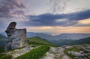 Світанок на горі Вухатий Камінь.jpg
