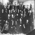 הרצל בין אנשי האופוזיציה (הפרקציה הדמוקראטית) בקונגרס הציוני ה- 5 1901-PHKH-1301056.png