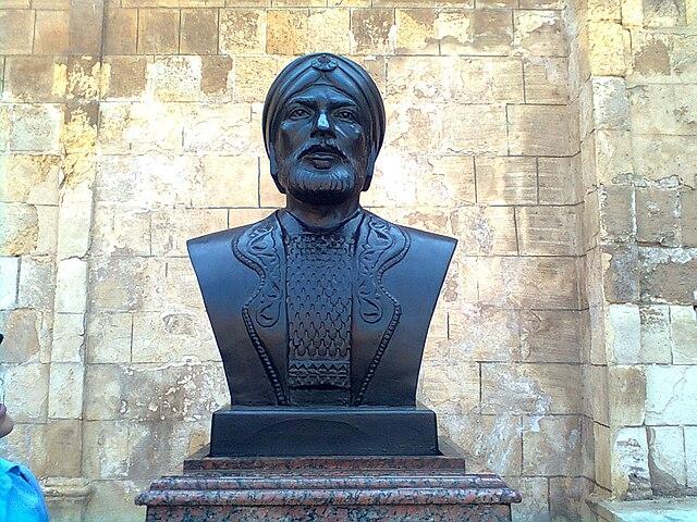 File صورة تمثال سيف الدين قطز Jpg Wikimedia Commons