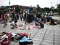 天母市集,天母地下停車場,擺地攤的人 - panoramio - Tianmu peter.jpg