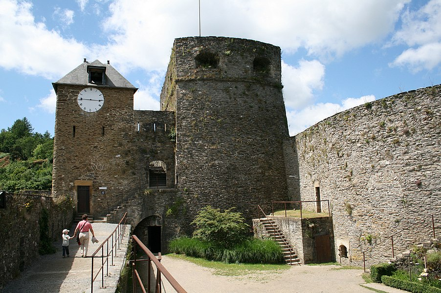 "Bouillon (Belgium), the ""Tour d'Autriche"" (1551) and the ""Tour de l'Horloge"" of the fortified castle (Xth–XVIth centuries)."