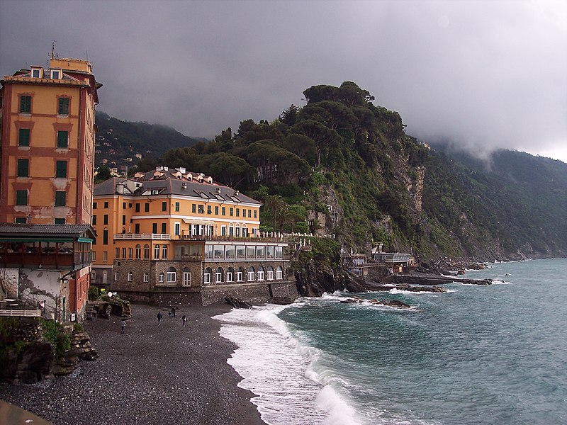 16032 Camogli GE, Italy - panoramio.jpg