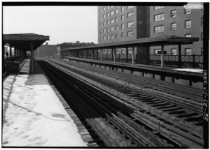 169TH ST. STATION, VIEW SOUTH FROM NORTHBOUND PLATFORM. - Interborough Rapid Transit Company, Third Avenue Elevated Line, Borough of the Bronx, New York, New York County, NY HAER NY,3-BRONX,13-38.tif