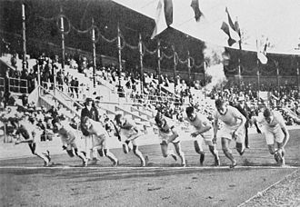 Hec Edmundson - Final of the 800 m at the 1912 Olympics; Edmundson is second from right