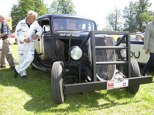 1934 Ford stock car racer with reinforcement in the front 1934FordStock-CarRacer.jpg