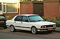1985 BMW 525e Automatic (15163507398).jpg