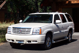 English: 2005 Cadillac Escalade (front view) ا...