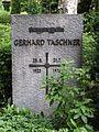 2006-07-29 friedhof stubenrauchstr grab taschner.jpg