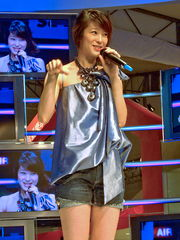 2008SonyFair Day2 Megan Lai.jpg