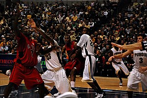 2009–10 Purdue Boilermakers men's basketball team - Image: 20091219 Purdue Boilermakers boxing out