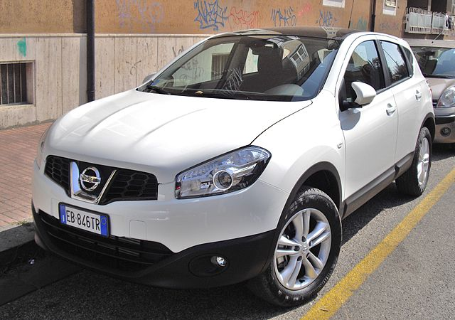 file 2010 nissan qashqai white jpg wikimedia commons. Black Bedroom Furniture Sets. Home Design Ideas