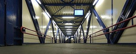 20120705 Luchtbrug Hoofdstation Groningen NL.jpg