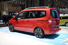Ford Transit Courier - Wikipedia on ford expedition, ford torino, ford f-250, ford ecosport, ford cougar, ford taurus, ford f350, ford fiesta, ford fusion, ford courier, ford focus, ford e-series, ford connect, ford granada, ford caravan red, ford mondeo, ford explorer, ford transit, ford tempo, ford flex,