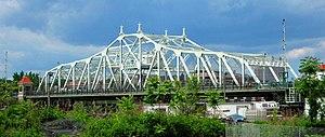 University Heights Bridge - from the University Heights Metro-North station (2014)