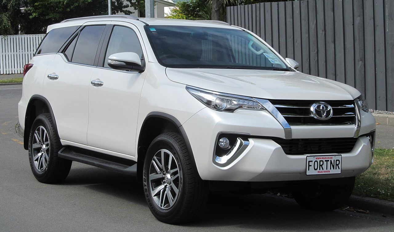 File 2015 Toyota Fortuner New Zealand Jpg Wikimedia