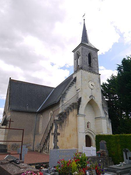 L'église Sainte-Madeleine.