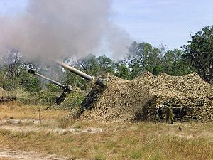 Royal Australian Artillery - M198 Howitzers from 8/12 Medium Regiment firing during an exercise in 2001