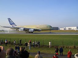 A380 first touchdown hamburg.jpg