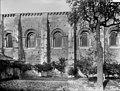 Abbaye (ancienne) - Eglise, façade sud, partie - Airvault - Médiathèque de l'architecture et du patrimoine - APMH00026970.jpg