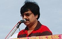 Actor Vivek at International Coastal Clean Up 2011.jpg