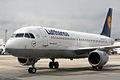 Airbus A320-211 Lufthansa D-AIPK (9350073041).jpg