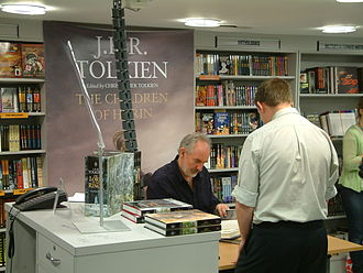 The Children of Húrin - Illustrator Alan Lee signing copies of The Children of Húrin