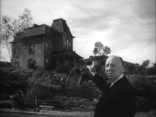 Trailer di Psyco: Hitchcock indica la casa gotica di Norman Bates.