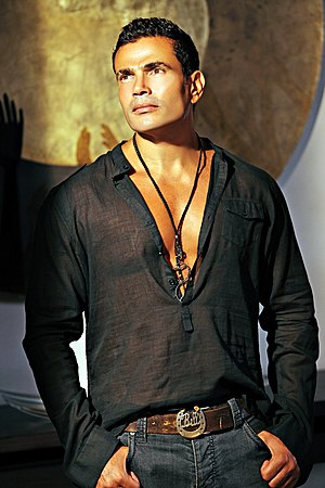 "Amr Diab discography - Amr Diab during shooting his music video ""Ba'dem Alby"" 2009"